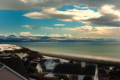 Highest point in the village. (alex.vangroningen) Tags: mountains sea clouds sky snow houses outdoors nikond2h colorsofthesea water pond northwales vieuw high beach sand chimneys