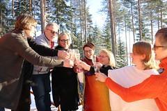 Jokiniemen matkailu (iisalmiregion) Tags: jokiniemenmatkailu ryhmä group kokous virkistyspäivä meeting tyky tyhy kuohuviini celebration sparklingwine forest metsä