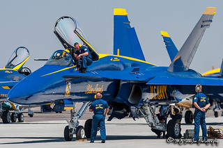 161942 USN Blue Angel 4 | McDonnell Douglas F/A-18A Hornet | Natrona County International Airport