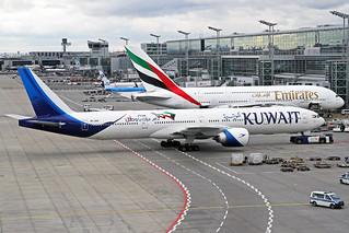 Kuwait Airways Boeing 777-369(ER) 9K-AOM