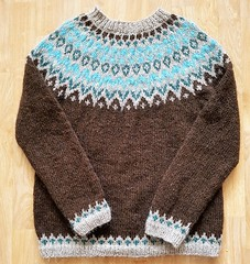 Icelandic wool Lopi sweater (Mytwist) Tags: chloroform lettlopi lopi ullar ullarpeysa isle wool sweater passion love chunky mytwist knit craft laine alafoss retro timeless yoke unisex sexy designed design bulky vouge velour cozy classic lopapeysa lopapeysunni pulli knitting chunkysweater fuzzy reykjavik iceland istex