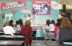 Showcooking '¡Todos a la cocina!' (Centro Comercial L'Aljub) Tags: centrocomerciallaljub laljub elche elx showcooking cocinar cooking recetas nuevo tomáslópez mestizaje topchef chef cocinero enseñar niños talleres adultos mostrar formación gastronomía