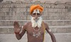 Varanasi (Rolandito.) Tags: asia india indien inde varanasi benares holy man saddhu