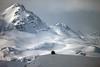 En medio de la nada (Luis Alvarez Menéndez) Tags: puerto señales león asturias nieve invierno montaña cabaña hielo
