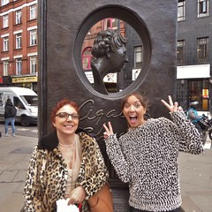 London - Seven Dials - Jan 2018 - Whodunnit? - Wife & Daughter Posing with Agatha Christie (Gareth1953 All Right Now) Tags: london coventgarden sevendials wife daughter smiles antics posing beautiful young mature woman together jumper leopardskin coat glasses