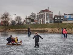Fun on ice (sander_sloots) Tags: doesburg slee ice sledge children kinderen ijs skating schaatsen people mensen