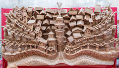 Wood carving - Fiera di Sant'Orso 2018 - Aosta (Giancarlo - Foto 4U) Tags: c2018 2018 24120mm aosta aoste d850 fiera giancarlofoto italia italie nikon ours saint st de di fieradisantorso2018 fête la orso sant santorso wood carving sculpture sur bois intaglio del legno