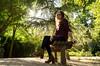 Posa y dispara (Crisálida A.A) Tags: girl chica españa spain aranjuez gardens jardines trees tree banco clothes ropa sunglasses gafas nikon camera paisaje landscape d5100