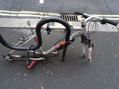 Dead bike on Bloomsbury Street (stillunusual) Tags: london ldn city england uk streetphotography street urban urbanscenery bike bicycle cycle deadbike abandoned sad travel travelphotography travelphoto travelphotograph 2018