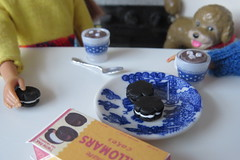 11. Snack time (Foxy Belle) Tags: kitchen miniature barbie vintage doll 16 scale diorama food blue white cookies table hot cocoa chocolate rement mug willow dollhouse