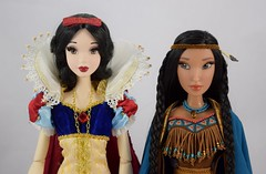 Snow White Welcomes Pocahontas - Portrait Front View (drj1828) Tags: pocahontas disneystore us limitededition 16inch doll le4500 posable instore purchase 2018 collectible animated deboxed standing snowwhite 17inch greets welcome