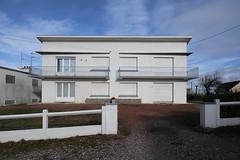 hors saison 7 (_wysiwyg_) Tags: horssaison offseason stationbalnéaire france seasideresort vide empty deserted côtedopale architecture maisons houses