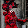 Costume rosso vivo (R.o.b.e.r.t.o.) Tags: venezia venice carnevale carneval carnival carnaval italia italy costume people girl woman ragazza donna ritratto portrait 2018 maschera mask cuore heart fiori flowers red rosso rose rosa perle pearls