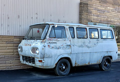 Ford Econoline Project (J Wells S) Tags: fordeconolinewindowvan coe caboverengine rust rusty crusty ford thompsonsgarage silverton cincinnati ohio stevethompson