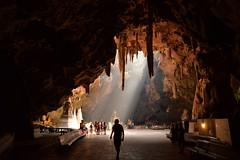 ถ้ำเขาหลวง เพชรบุรี  Tham Khao Luang Cave, Petchaburi, Thailand  D610 + Tamron 24-70 vc  #thailand #buddhist #Cave #Light (jainpichan) Tags: light buddhist cave thailand nikon d610 tamron 2470 f28 vc pzd tripod buddhism monks asia asian cultures religion