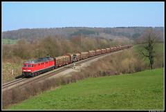 DB 241 802, Gemmenich (B) by Björn Nielsen - Terwijl DLC/Crossrail de treinen over Lijn 24 doorgaand met diesellocomotieven van tractie voorziet, deden DB en B-Cargo dat tot 2008 slechts op het korte traject tussen Aachen West en Montzen. Vanaf Montzen was de goederenlijn namelijk al geëlektrificeerd.   Terwijl de Belgen hier met locomotieven van de reeks 55 en 77 heen en weer pendelden, zette DB (Cargo) de Baureihe 225 en 241 in. Van de locs in de serie 241 zijn er slechts 11: ze zijn in de jaren 90 omgebouwd ten behoeve van het trekken van extra zware treinen (tot 4000 ton). Daarvan zijn vijf locs in 2001 aangepast ten behoeve van het Duits/Belgische grensoverschrijdende goederenvervoer op Lijn 24.  Op 27 maart 2007 had ik het geluk dat er een niet alledaagse trein over Lijn 24 reed. De 241 802 mocht een lange trein (wagentype Roos en Rnoos) beladen met boomstammen van Aachen West naar Montzen rijden. De opname toont de passage bij Gemmenich (B).