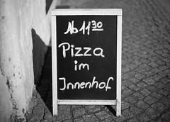 11:30 (Rene_1985) Tags: pizza sony a7 ii 50mm 095 noctilux asph monochrom bw sw schwarz weis kontrast