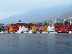 Bergen (Noruega) (JCMCalle) Tags: noruega landscape paisaje rio river pueblo town montaña mountain río agua carretera bergen jcmcalle