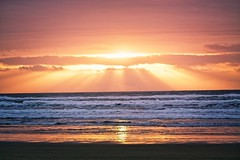 Oregon Coast Sunset (ZnE's Dad) Tags: oregon oregoncoast sunset pacificnorthwestsunsetsandsunrises