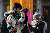 Checking (Rick & Bart) Tags: brussel bruxelles belgië belgique grandplace grotemarkt rickvink rickbart canon eos70d everydaypeople people personnes strangers candid streetphotography photographer