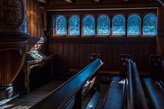 Stabkirche innen II (Rainer ❏) Tags: altar kanzel empore säulen bänke gustavadolfstabkirche stabkirche stavkirke stavechurch hahnenklee goslar harz kirche architektur architekture borgund color xt2 rainer❏