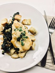 Lemon-thyme chicken (Alice Olive) Tags: aliceolive soupkitchen food chicken lemon thyme plated