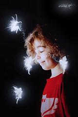 En el país de las hadas. (dMadPhoto) Tags: retratos portraits smile sonrisa risa belleza beauty girls woman women madrid fantasy fantasía children niños baby babies digitalart digital art dmadphoto fairy hada