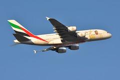 'EK79Y' (EK0030) LHR-DXB (A380spotter) Tags: takeoff departure climb climbout belly airbus a380 800 msn0211 a6eua زايدعام yearofzayed2018 celebrating100yearssincethebirthofthegreatleader بنسلطانآلنهيان zayedbinsultanzayedalnahyan decals decal stickers sticker 2017 38m longrangeconfiguration 14f76j429y الإمارات emiratesairline uae ek ek79y ek0030 lhrdxb runway09r 09r london heathrow egll lhr