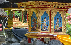 ... golden temple ... (wolli s) Tags: bali goagajah indonesia gold temple sukawati indonesien id