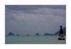 Anne, ma soeur Anne, ne vois-tu rien venir?  Busan - Corée (PtiteArvine) Tags: mer bleu mauvaistemps pluie vagues statues iles corée busan