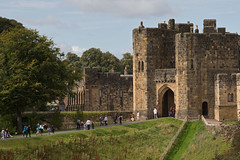 Alnwick Castle (<p&p>photo) Tags: building fort landscape hogwarts harrypotter potter alnwickcastle alnwick castle northumberland england uk