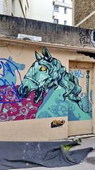 405 Paris en Février 2018 - Cité Champagne, rue des Pyrénées (paspog) Tags: paris france citéchampagne ruedespyrénées graffitis tags fresque fresques mural murals février februar february