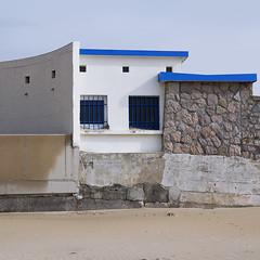 hors saison 15 (_wysiwyg_) Tags: horssaison offseason stationbalnéaire france seasideresort vide empty deserted côtedopale architecture maisons houses carré square
