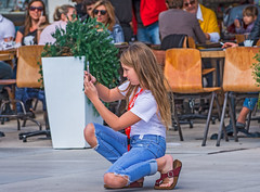 Photographer Girl (fotofrysk) Tags: photographer girl cell riva parade people tourists locals street diocletianspalace romanfortress oldstones istriamontenegroroadtrip buildings architecture croatia split adriaticcoast dalmatiancoast afsnikkor703004556g nikond7100 201710079725