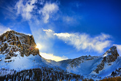 Earth, Wind & Fire (Gio_guarda_le_stelle) Tags: dolomiti dolomites dolomiten sun sunlight mountainscape mountain veneto italy sky wind clouds nuvole vento italia amicizia