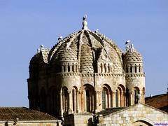 Zamora (santiagolopezpastor) Tags: espagne españa spain castilla castillayleón zamora provinciadezamora cigüeña stork medieval middleages cathedral catedral románico romanesque cimborrio