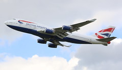 British Airways Boeing 747-400 (AMSfreak17) Tags: amsfreak17 danny de soet canon 70d lhr egll london heathrow airport luchthaven vliegtuigen vliegtuig aircraft airplane jet jetphotos planespotting luchtvaart vertrek aankomst departure arrival spotter planes world of airplanes united kingdom great britain europe take off runway 27r 09l british airways boeing 747400 747 queen sky gcivf