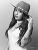 Cata (Troylo@stur) Tags: moda fashion modelo model sombrero hat blancoynegro byn blackwhite bw canon 35mm