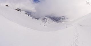 Kasprowy Wierch with valley below