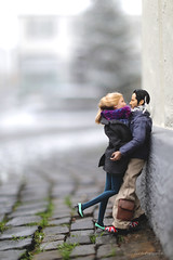 💕 Kiss me, kiss me, kiss me 💕 (lichtspuren) Tags: barbiemod barbie ashleyolsenbarbie actionfigure johnwick daily situations keanu dailysituations minime 16 scale couple diorama barbieheadonpoppyparkerbody poppyparkerbody lichtspuren