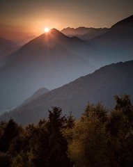 Kobala (xskyven) Tags: slovinsko kobala krajina landscape sunset slovenia alps alpy tolmin mountain sun forest