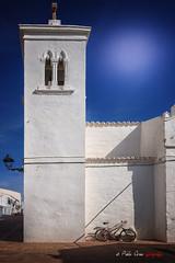 (113/18) Iglesia de Sant Antoni en Fornells (Menorca) (Pablo Arias) Tags: pabloarias photoshop photomatix capturenxd españa cielo nubes arquitectura iglesia bicicleta blanco fornells menorca