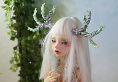 commissioned antlers (Sparrow ♪) Tags: minifee lucywen antlers msd crystals flowers green purple pearls beading beads vines