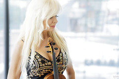 A violin player (DZ-fotografia - 15 Million views, Thx) Tags: violinist violin playes musician sexy lady woman long blonde hair