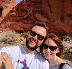 less windy selfie (ekelly80) Tags: nevada lasvegas valleyoffirestatepark geology rocks redrocks drive february2018 roadtrip windy wind breeze selfie sun