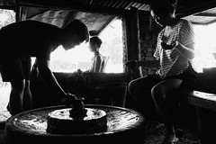 Pagburnayan (Meljoe San Diego) Tags: meljoesandiego fuji fujifilm x100f streetphotography pottery candid monochrome vigan philippines
