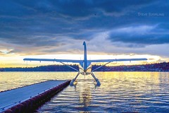 Blue Horizon (otterdrivernw) Tags: dhc3 otter dehavilland fujinon xt2 fujix fujifilm golden reflection floatplane seaplane airplane upperleftusa pnw washington lake water sunset clouds blue