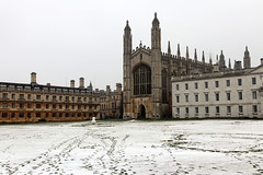Cambridge (mbphillips) Tags: cambridgeshire unitedkingdom greatbritain britishisles england mbphillips johnwastell reginaldely gothic architecture 欧洲 유럽 europa reinounido 영국 잉글랜드 英国 英格兰 剑桥 케임브리지 ケンブリッジ geotagged photojournalism photojournalist kingscollege 캠브리지 snow 雪 nieve 눈 travel angleterre inglaterra 英國 イングランド 캐논 canon80d canoneos80d canon sigma1835mmf18dchsm sigma 국왕의 대학 europe ヨーロッパ cambridge