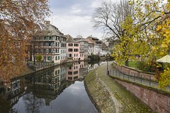 Photographer's Favorite (trainmann1) Tags: nikon d7200 nikkor 18200mm amateur handheld europe november 2017 fall vacation honeymoon strasbourg france strasbourgfrance french beautiful amazing scenic postcard reflect reflection buildings architecture building water canals canal colorful colors vibrant
