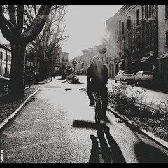 #BIKE2SOLE #Imola DSCF7218 Viabici (Viabici(c) di StefanoM) Tags: viabici bike2 bicicletta bici bike bicycle cykel fahrrad street city mono noiretblanc bw streetphotography chiaroscuro blackandwhite italia imola